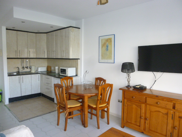 Holiday Apartment In Benal Beach, Benalmádena. VFT/MA/42300